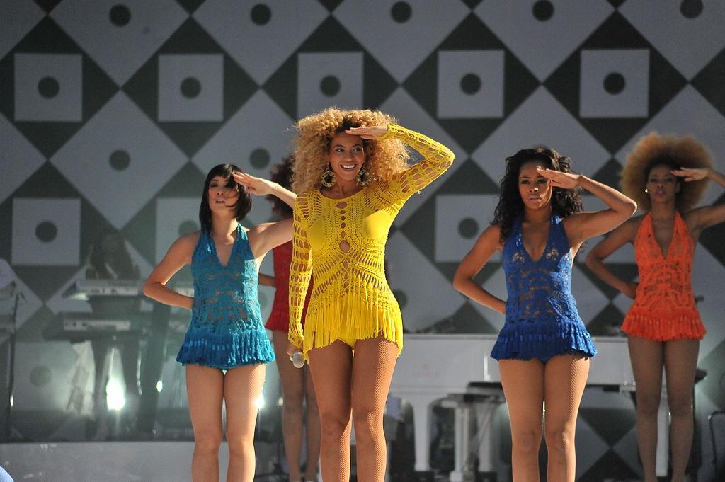 1024px-Beyoncé_Knowles_GMA_Run_the_World