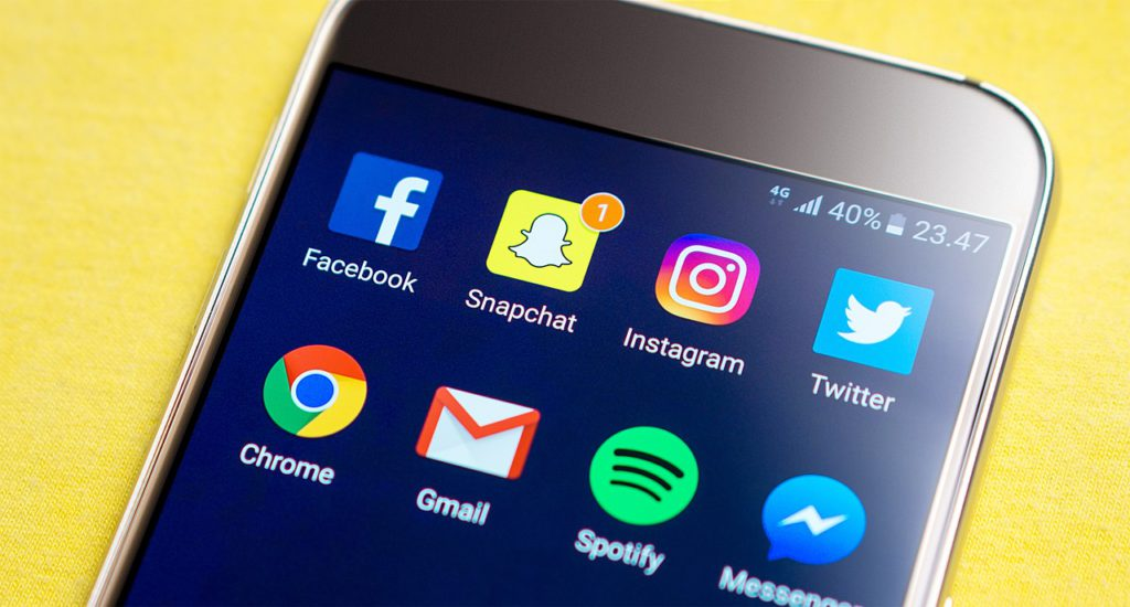 Is Facebook losing younger users to Snapchat!