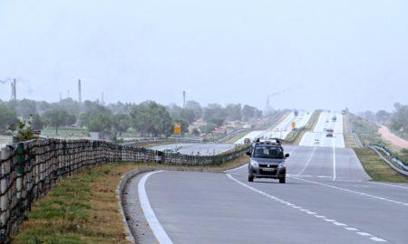 yamuna-expressway-385360_960_720