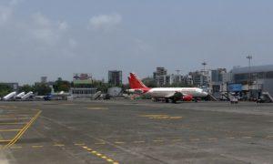 airport-385292_960_720